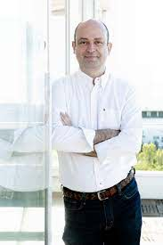 Alejandro Vesga Arán, director de la revista Emprendedores - Protectia